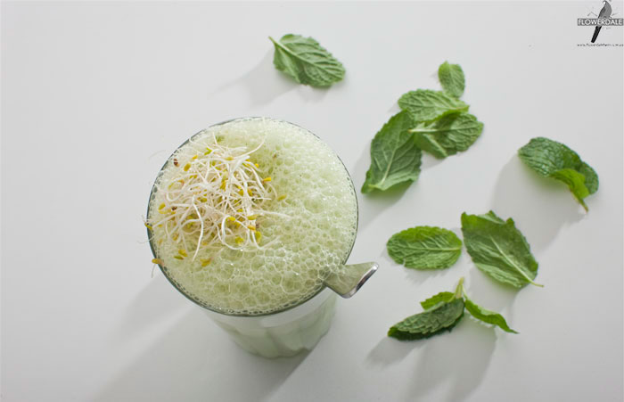 Alfalfa, Broccoli and Mint Smoothie